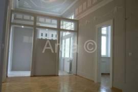 Ekskluzivan adaptiran Austrougarski stan u centru, 160 , Sarajevo – Stari grad