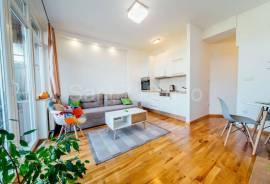 lijepo opremljen dvosoban stan u centru, 45 m2, 45 , Sarajevo – Centar
