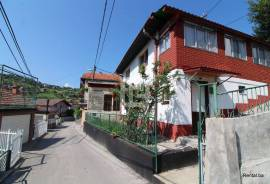 Heroj ulice - porodična kuća, prodaja, Novi Grad, 130 , Sarajevo – Novi grad