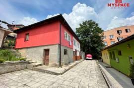 Dva stana u manjoj zgradi Stari Grad, 86 m2, 86 , Sarajevo – Stari grad