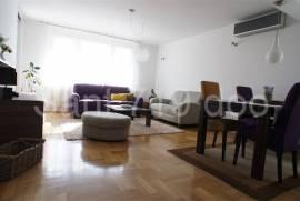trosoban lijepo namješten stan unaselju Marijin dvor, 72 m2, Sarajevo – Centar